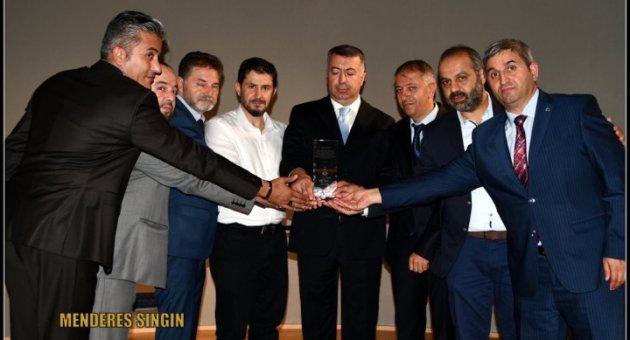 Başkonsolos Muhammet Mustafa Çelik'e Dini Cemaat Bölge Başkanlarından Veda Programı
