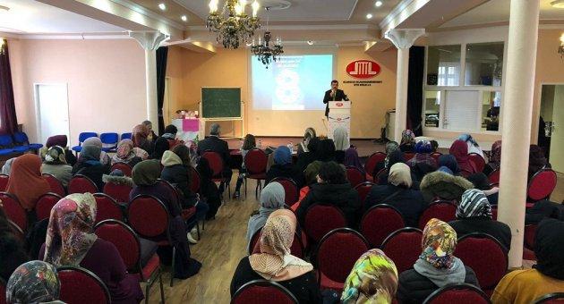 """Berlin Eyalet Kadınlar Kolu """"Gel Sen de Katıl! """" Başlığı İle Başarılı Müslüman Kadınlar Hanım Sahabelerin İzinde"""" Konulu Program Tertip Etti."""