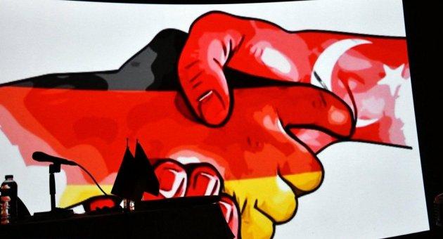 """DİTİB Berlin Türk Şehitlik Camiinde """"Çanakkale'den Günümüze Türk - Alman Dostluğu"""" Konulu Konferans Yapıldı."""